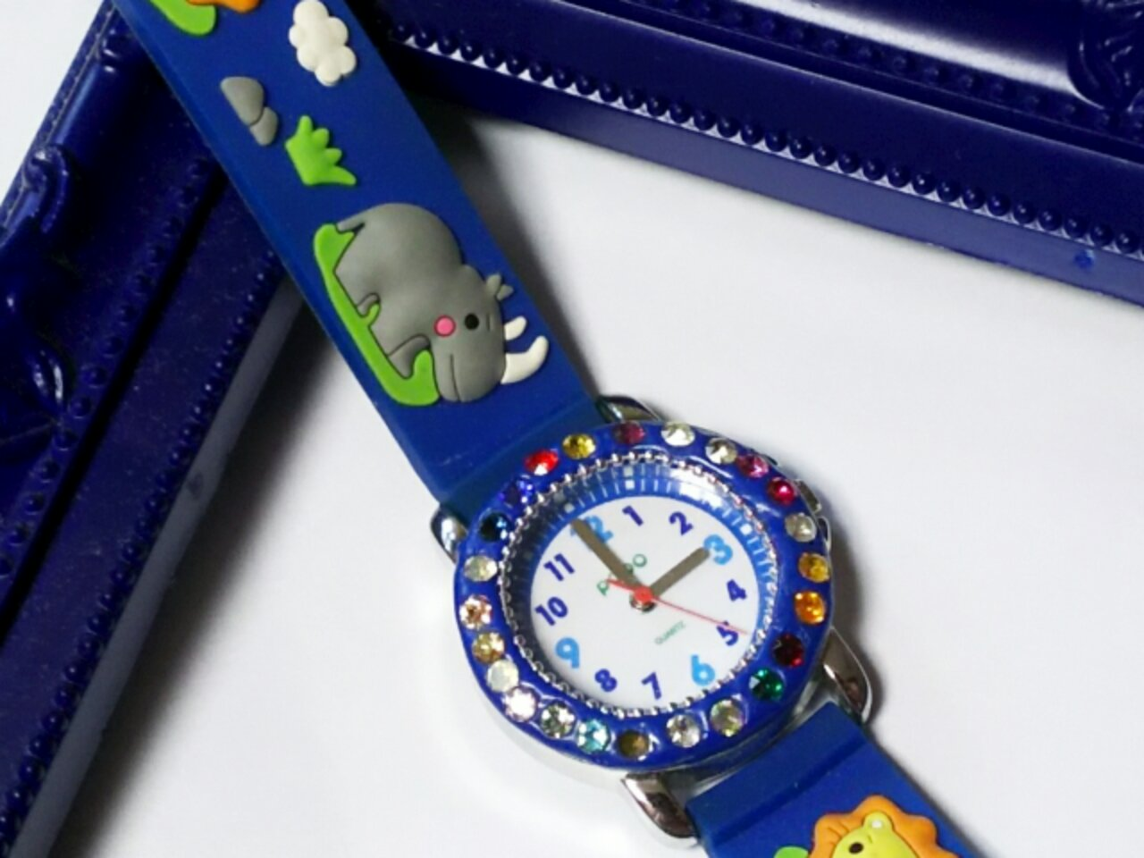 息子が作ったグルーデコの腕時計